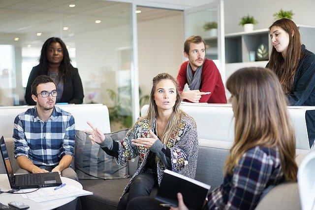 Przestrzenie robocze promujące współpracę i maksymalizujące wydajność